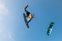 20200901_KiteFlyHigh_Drachenschule_Kiteschule_Kiten_Drachen_Lenkdrachen_München_Landkite_Neubiberg_Kurs_Schule_Kite-Fly-High_Shop_Flysurfer-Boost_Tube-Kite_3