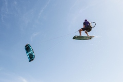 20200901_KiteFlyHigh_Drachenschule_Kiteschule_Kiten_Drachen_Lenkdrachen_München_Landkite_Neubiberg_Kurs_Schule_Kite-Fly-High_Shop_Flysurfer-Boost_Tube-Kite_5